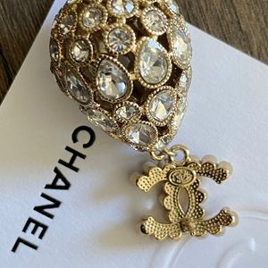 CHANEl METAL & STRASS GOLD & CRYSTAL EAR